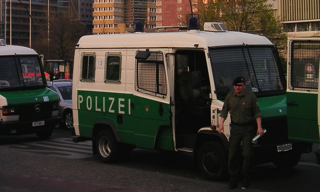 Polizei Pfefferspray Empfehlung reducing influence